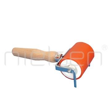 prof.váleček s dřev.rukojetí,pr. 50mm,délka 60mm