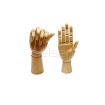 Mužská ruka pravá 32 cm dřevěná